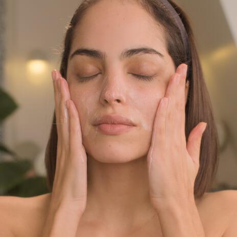 Velvet Milk Make-Up Remover