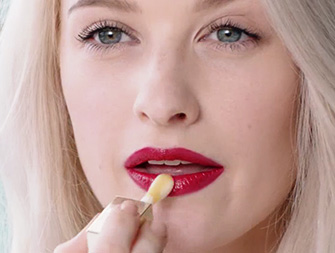 How to achieve beautiful lips with Lip Comfort Oil - by Inthefrow