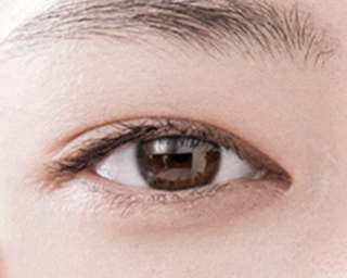 Can a serum be applied around the eyes and to the lash area?